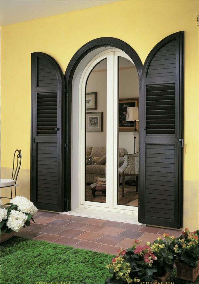 Finestre tonde interesting finestre in pvc in legno o in alluminio prezzi e opinioni with - Stock finestre pvc ...