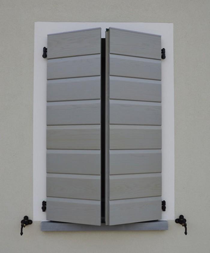 Scuri e persiane tbt porte basculanti avvolgibili zanzariere ravenna - Griglie per finestre esterne ...